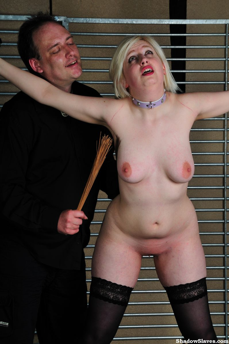 www.shadow slaves.com Amateur Slaves Whipped